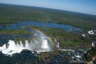 Cataratas do Iguaçu com arco íris - #cataratasday2017