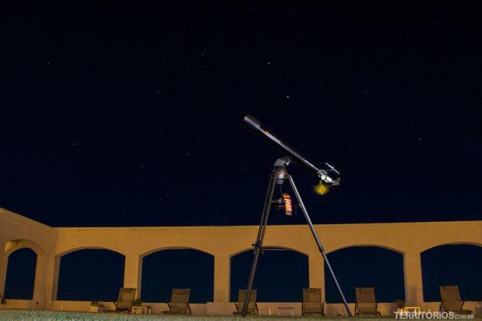 Luneta para ver os detalhes da lua bem de perto