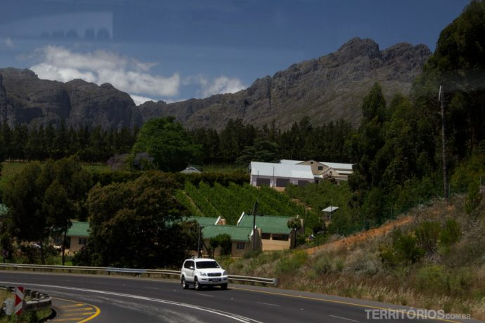 Paisagem na estrada para Stellenbosch