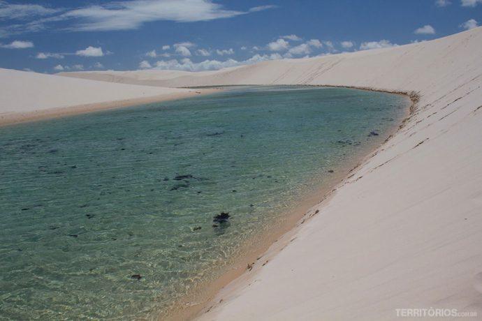 Parque Nacional dos Lençóis Maranhenses com as lagoa de água doce