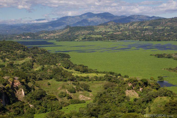 Vista para o lago Suchitlán