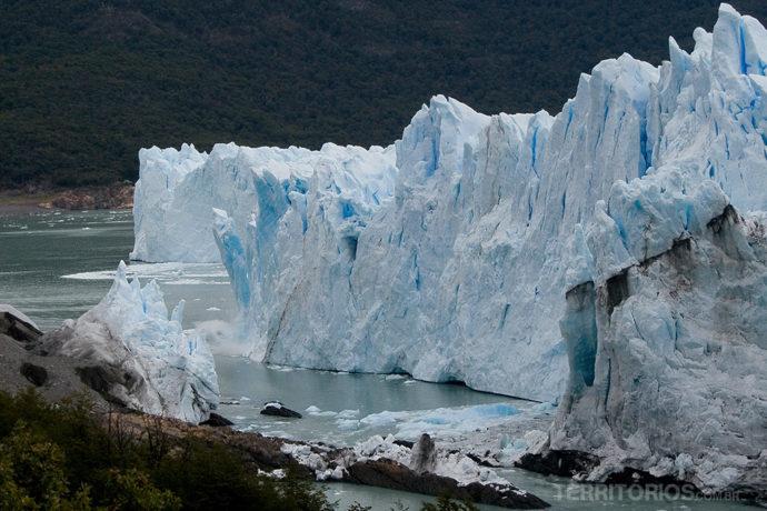 Queda de gelo em Perito Moreno, Patagônia - Argentina