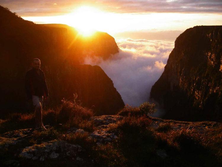 Nevoeiro no Canyon Malacara, Parque Nacional da Serra Geral, Rio Grande do Sul - Brasil