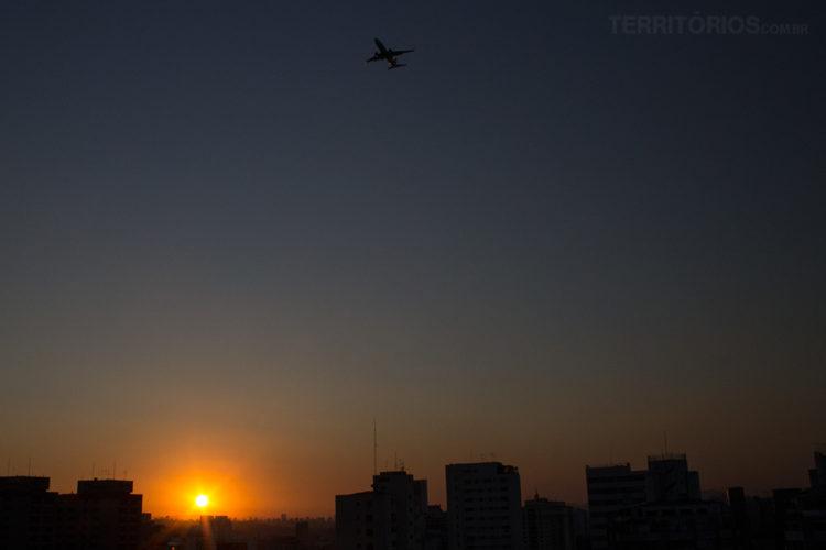 Pôr do Sol na zona oeste de São Paulo - Brasil