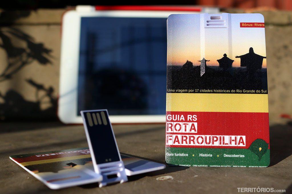 Mini livro Guia RS Rota Farroupilha é um pen card souvenir do RS