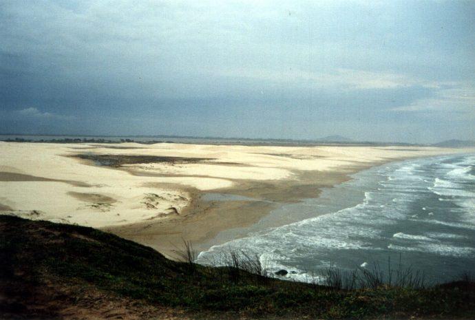 Vista para a Praia Grande do Morro do Céu há mais de dez anos