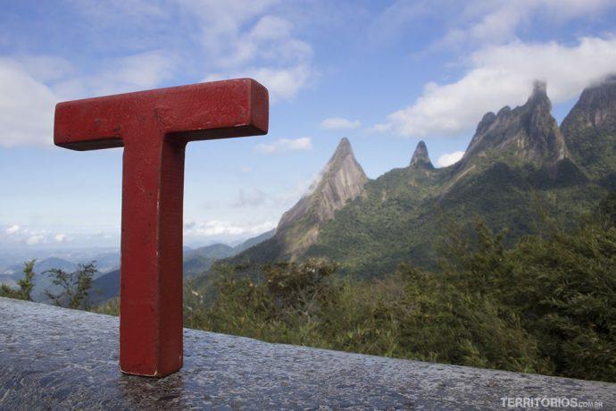 No Mirante do Soberbo observando o Dedo de Deus, em Teresópolis