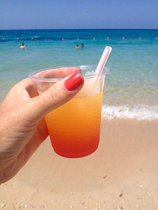 Drinques gostosos na Isla Baru