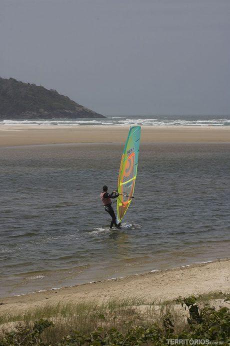 Wind surf na Lagoa de Ibiraquera