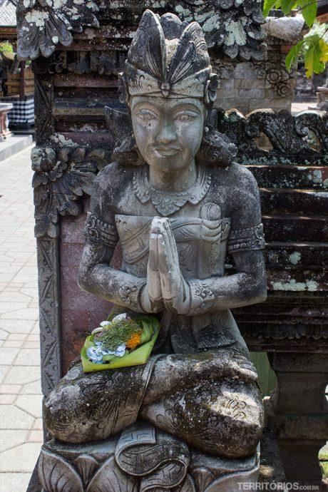 Oferenda em Pura Batur Sari