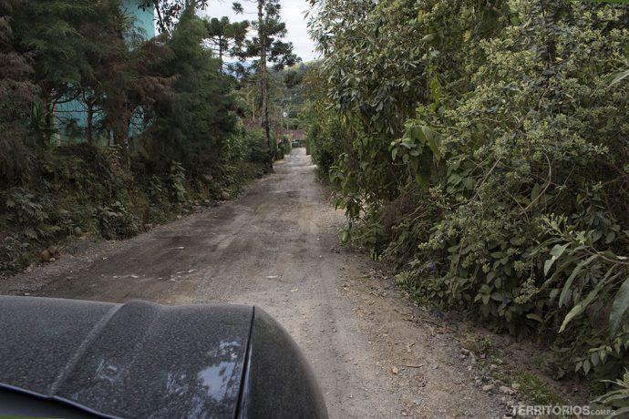 Estrada de terra na Serra da Mantiqueira