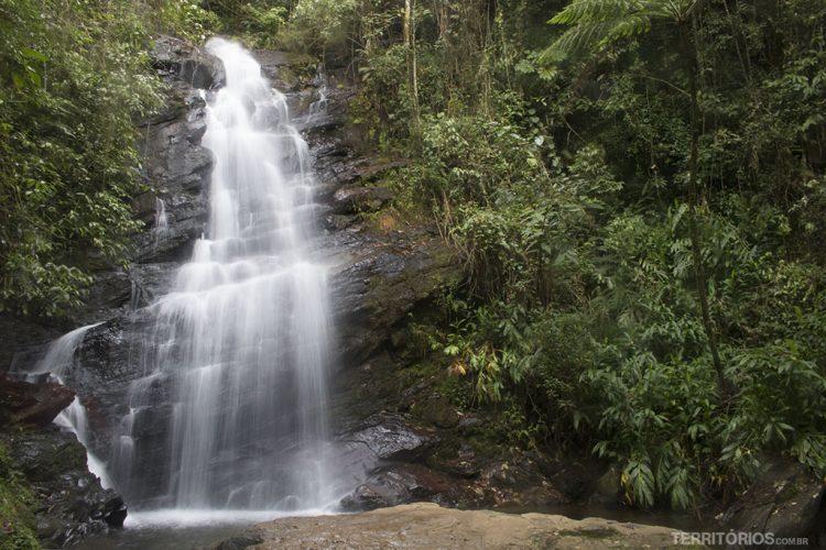 Cachoeira Véu de Noiva na Serra da Mantiqueira