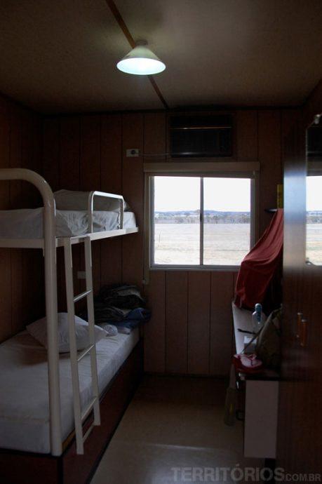 Dentro da mini cabana
