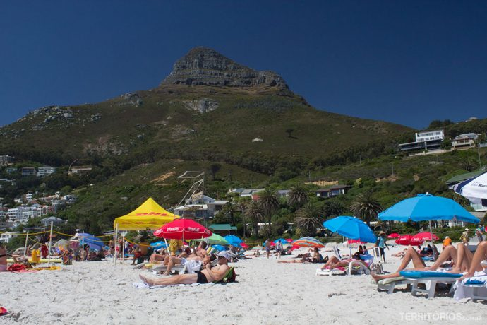 Clifton Beach com Lion's Head ao fundo