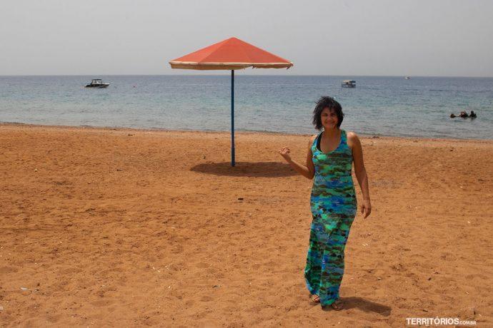 O nome do Mar Vermelho vem da cor da areia