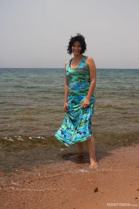 Areia vermelha, mas verde e azul
