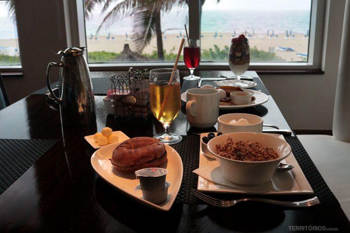 Café da manhã no 3800 Ocean