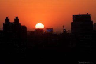 Pôr do sol visto da janela da minha suíte