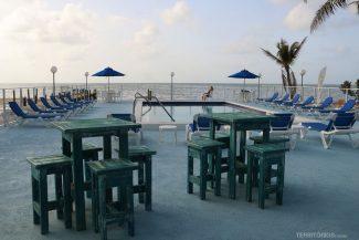 piscina do Pines and Palms Resort