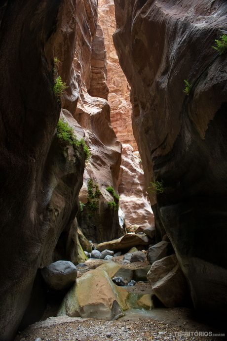 Caminhos interrompidos pelas pedras