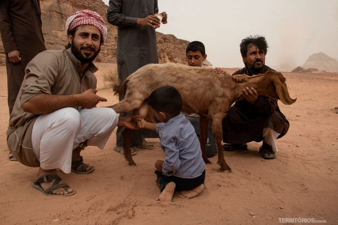 Família de beduínos mostra sua cultura