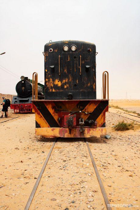 Carcaças do trem Expresso Oriente