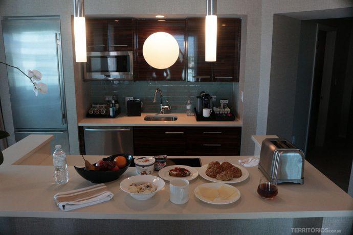 Cozinha equipada, com vista e bem decorada no Conrad