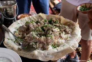 Tradicional Mansaf de carneiro