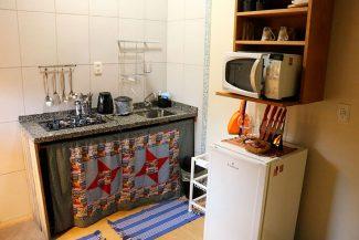 Cozinha completa em utensílios (crédito: Luis do blog Boa Viagem)