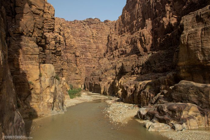 Wadi Mubij embarrado depois das chuvas, este dia estava fechado para trilhas