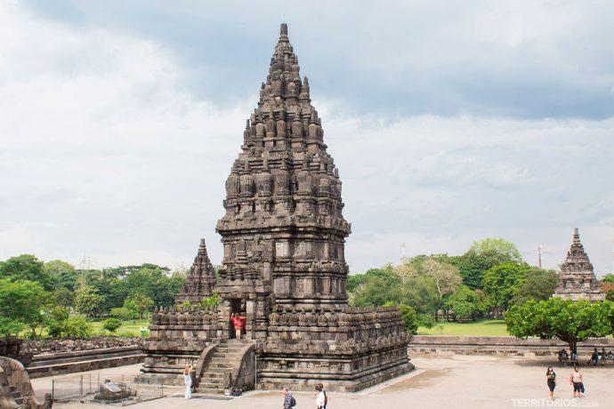 Conjunto Prambanan, na llha de Java, Indonésia