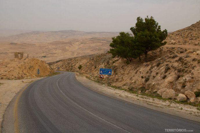 Estrada secundaria próximo ao Monte Nebo
