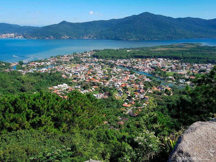 Lagoa da Conceição e Barra da Lagoa é a vista da Trilha da Boa Vista
