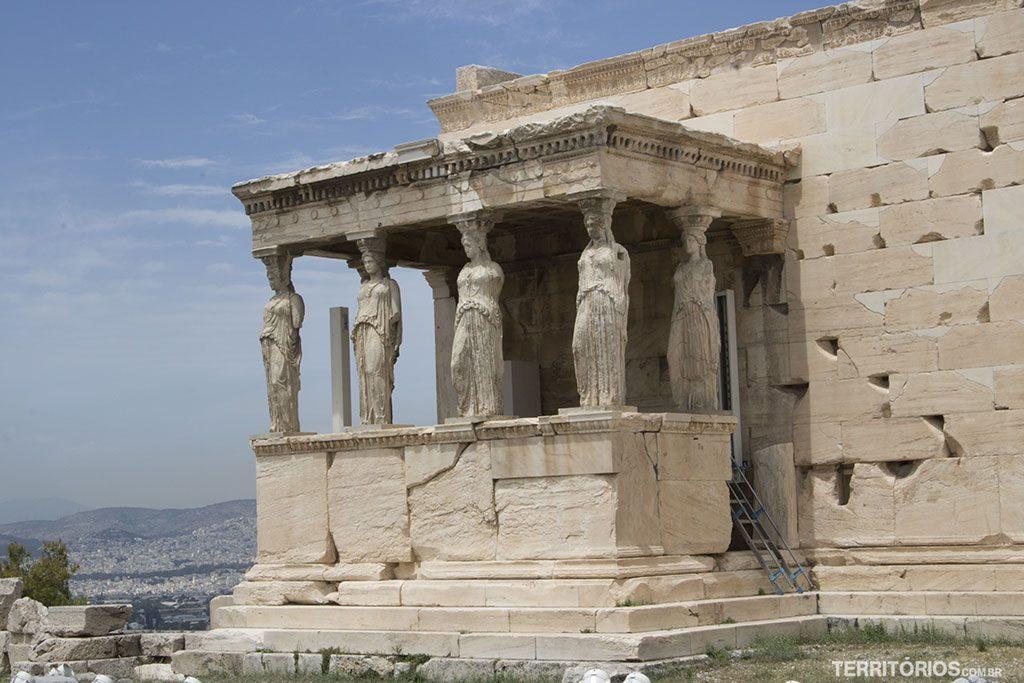 Erecteion (século V a.C), templo para consagrar Atena e Posídon