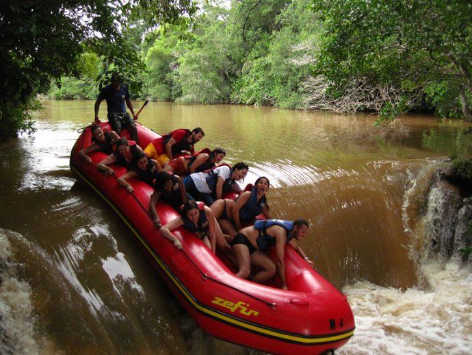 Rio Formoso cheio e barrento na época das chuvas