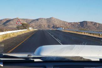 Rodovia B rumo a Swakopmund, a segunda maior cidade da Namíbia