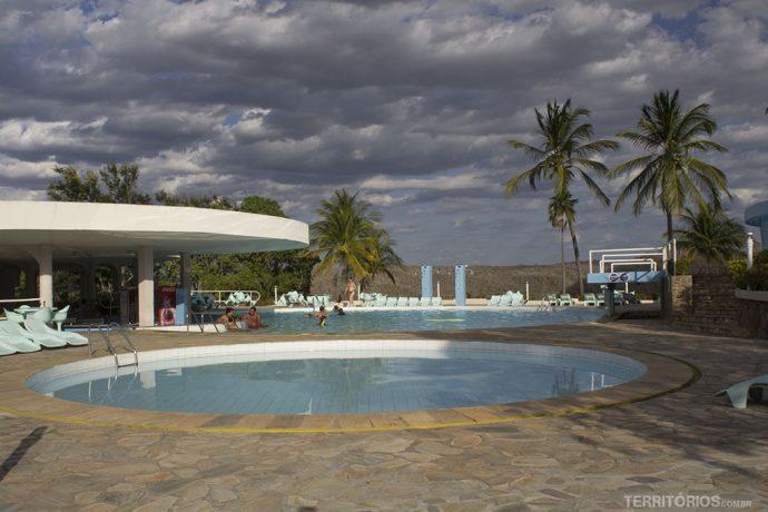 Piscina de hotel ao ar livre. Onde ficar no Nordeste