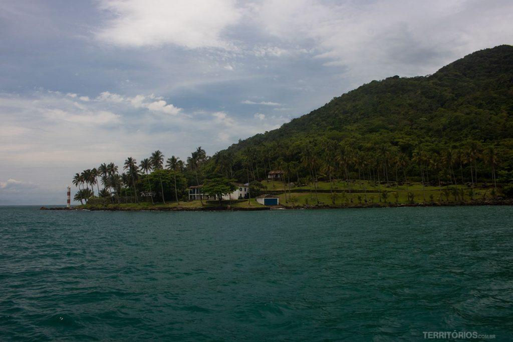 Ponta das Canas, onde fica o farol em Ilhabela