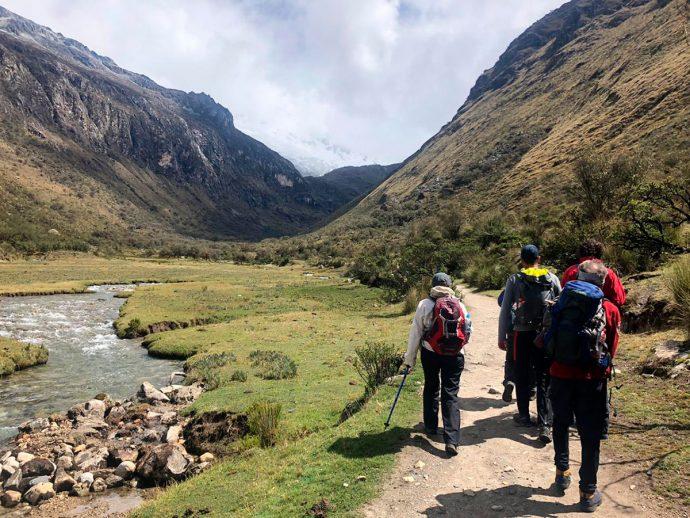 Início da trilha para a Laguna 69