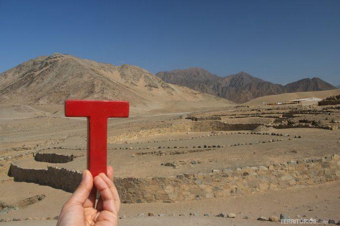 Tesão nas ruínas de Caral, no Peru