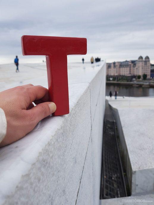 Tesão no terraço da Ópera House de Oslo