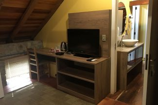 Todas os dormitórios possuem TV a cabo